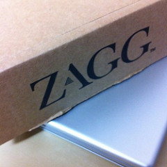 ZAGG mate with Keyboardが届いた